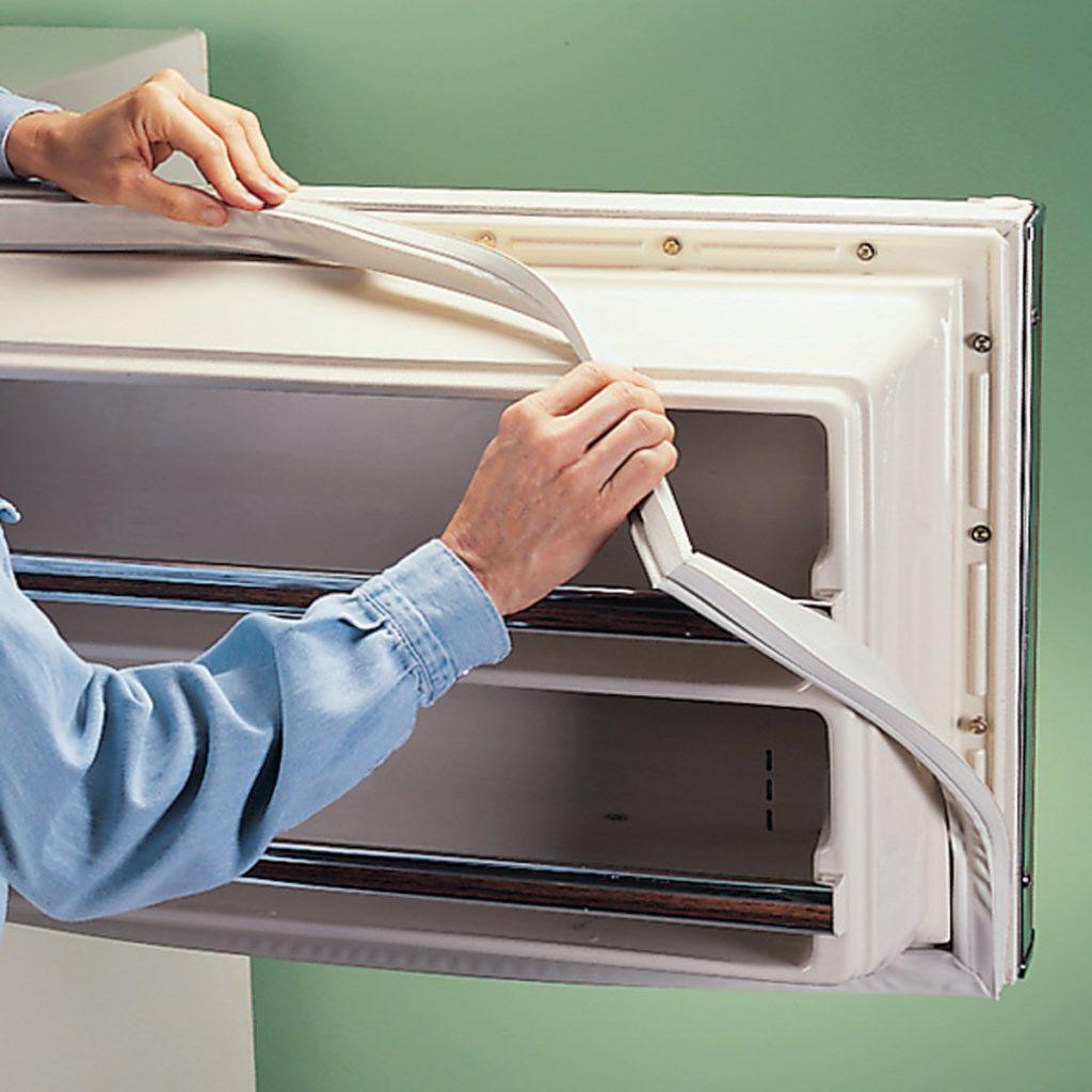 Замена уплотнителя холодильника своими руками